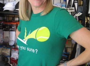 christelle-alves-standing-smiling-shirt